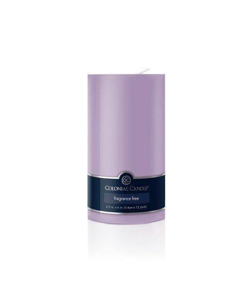 Vela pilar Colonial Candle® color lila de 15 cm