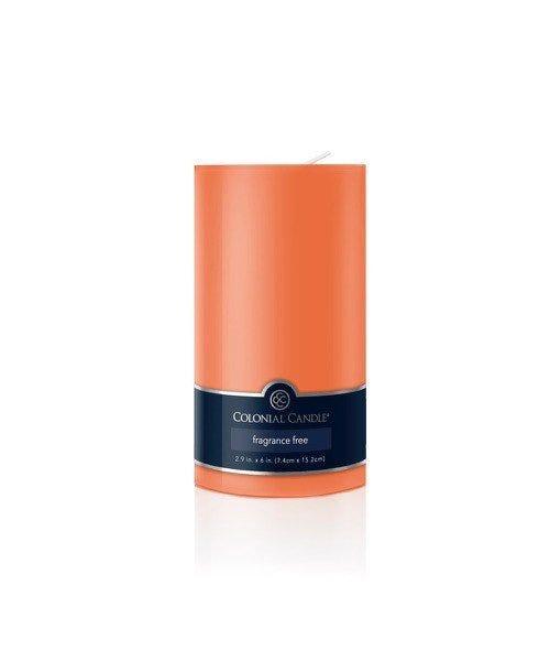 Vela pilar Colonial Candle® color naranja de 15 cm