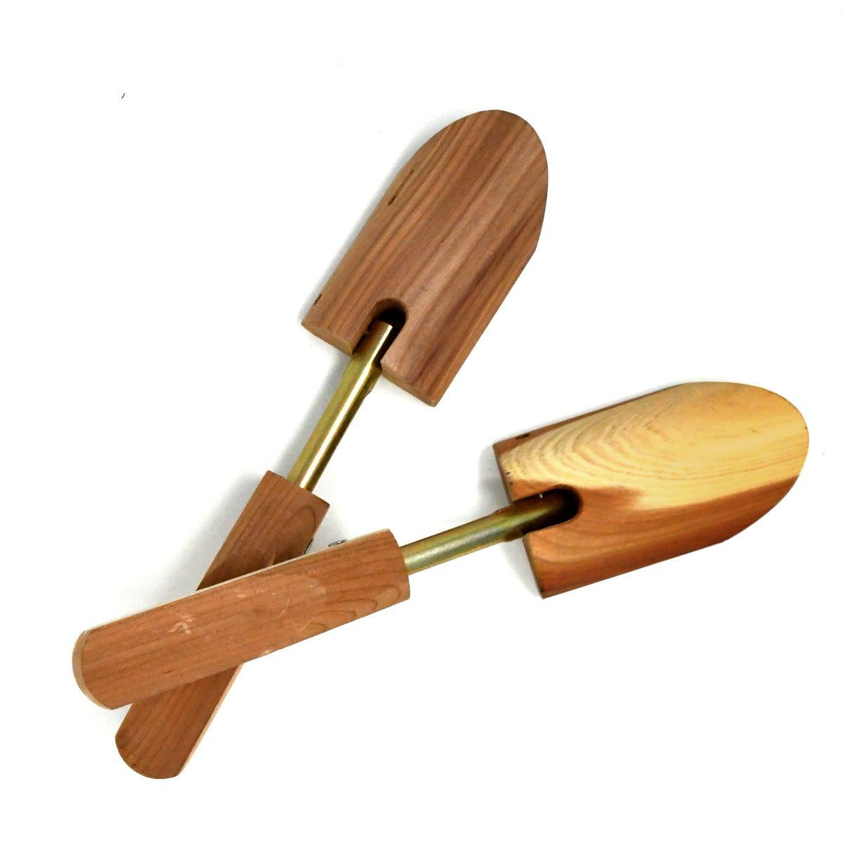 Calzador con mango de madera