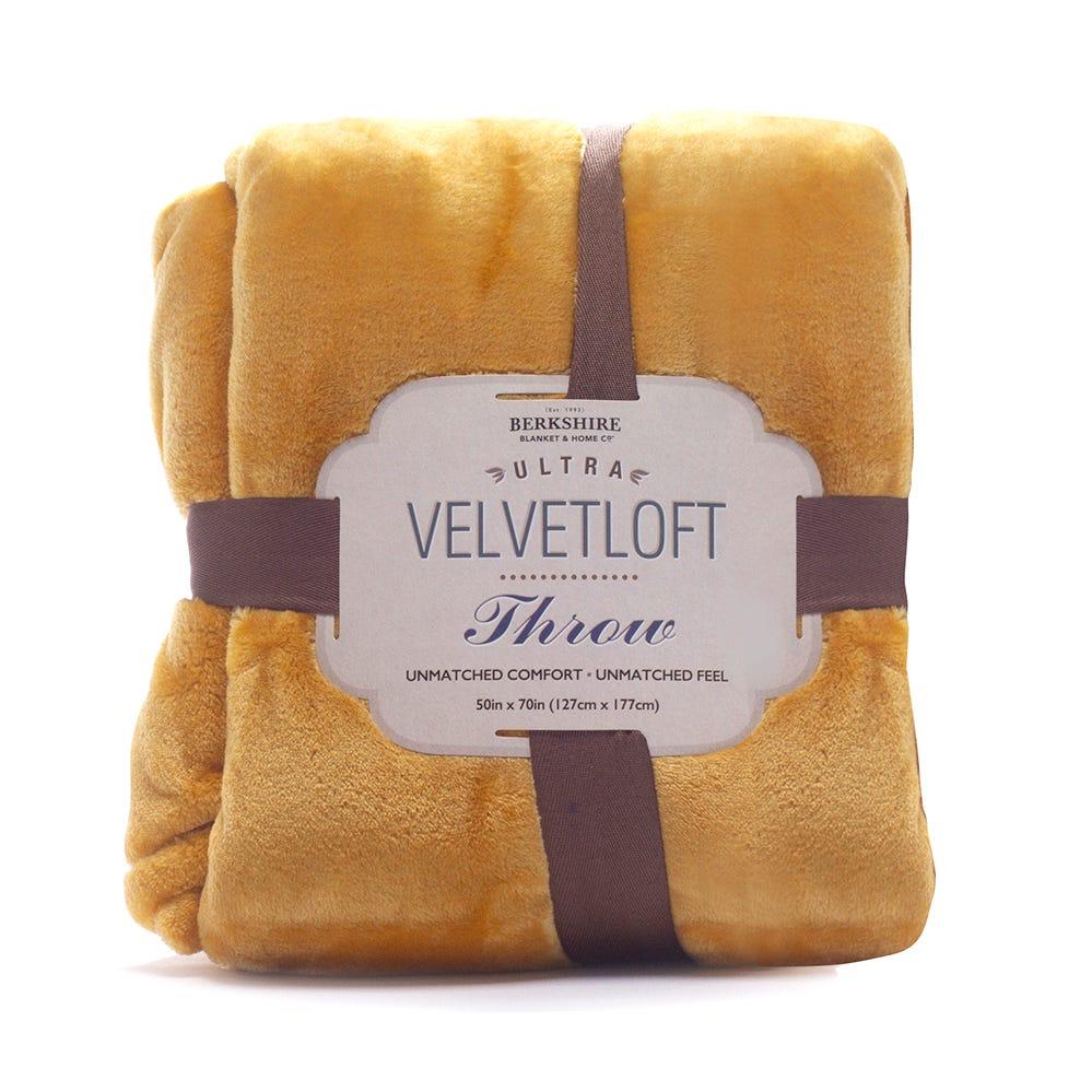 Cobertor 127 cm x 177 cm Velvetloft™ en mostaza