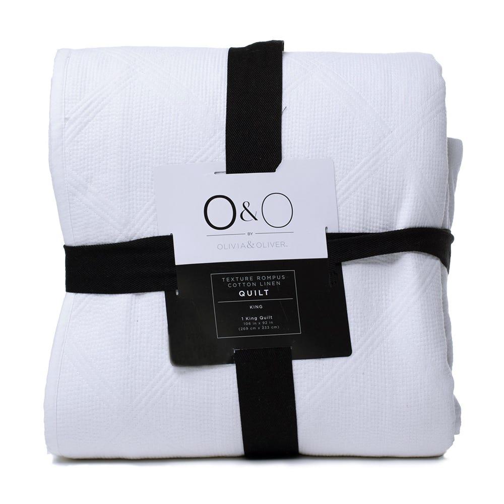 Edredón King de lino acolchonado O&O by Olivia & Oliver™ en hueso