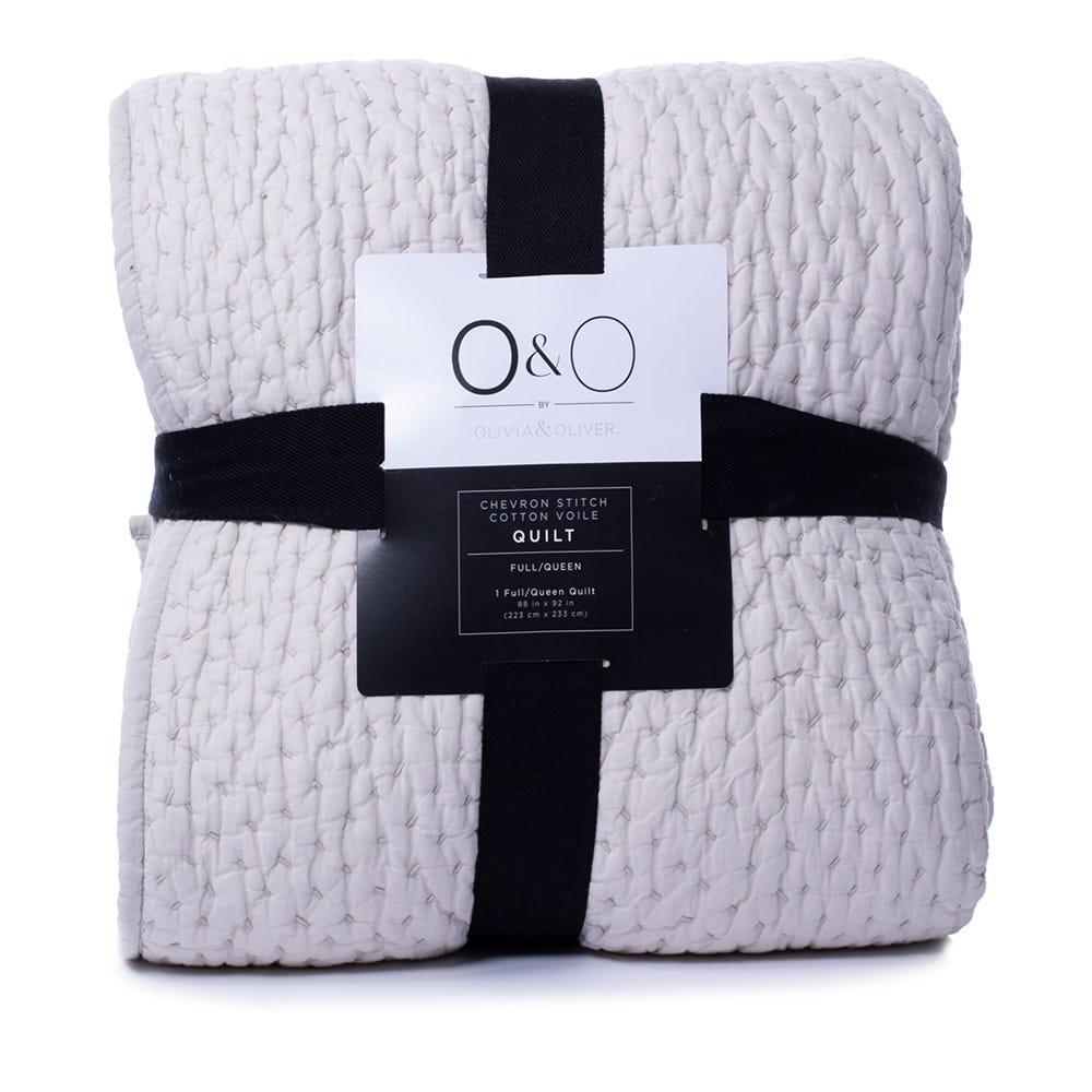 Edredón queen de algodón O&O by Olivia & Oliver™ Chevrón color hueso